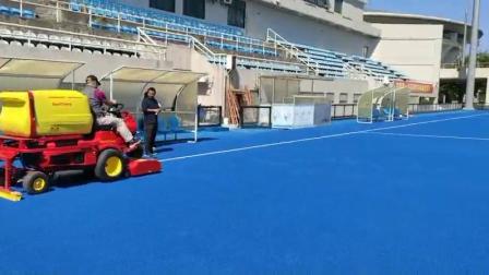 德国🇩🇪SMG曲棍球场地清洁护理车