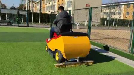 德国🇩🇪SMGTB2小型人造草坪维护车