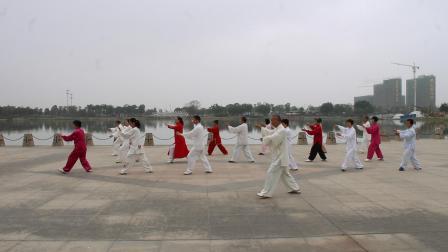 尚新来老师领练传统杨式太极拳18式