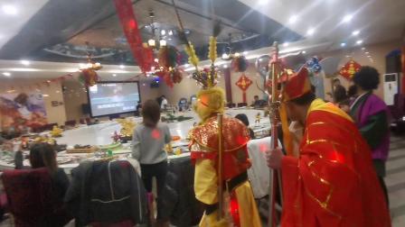 CCTV牛恩发现之旅:文俗成风景不一样的聚餐靓点。(梦回西游主题餐厅)北京昌平