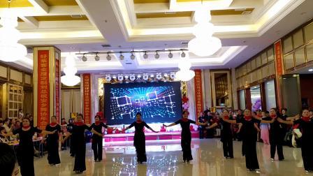 湖南常德梅子广场舞《百花香.野花香》2020安乡体协年会节目