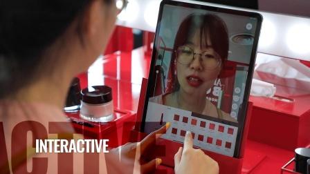 香港国际机场广告参考: Armani Box互动体验区