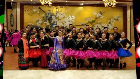 三步踩《A3》表演:藏龙岛阳光一百凤凰魅力舞蹈队