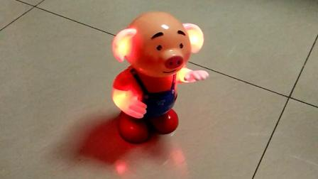 新买的玩具猪