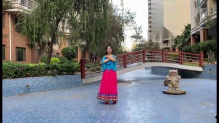 绿叶子广场舞《桥边姑娘》