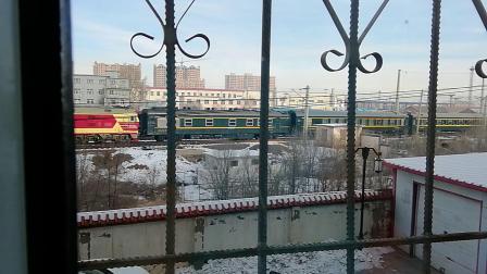 东风4D3327单机牵引客列前往集宁南站