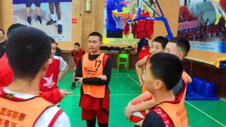 新疆伊犁天唯篮球训练营06年孩子教学赛集锦