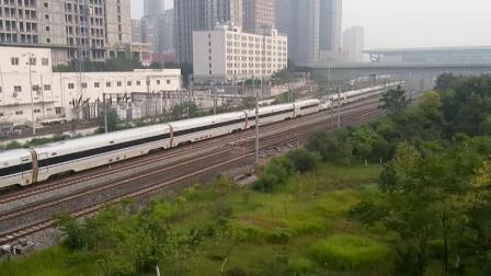 D1946次(CRH380D)发车G1831次(CRH380BL)K487次进站