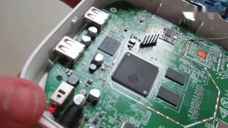 亲自动手打开电视盒子,准备刷机,实现软件任意装,直播免费看