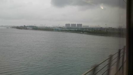 20191004 150013 G87次列车通过京广高铁滹沱河大桥