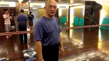 台湾武术名家何静寒先生讲解形意拳五行拳手腕部位诀窍