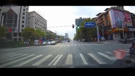 交通事故合集中国国内20200326行车记录仪监控实拍最新交通事故车祸瞬间现场视频集锦