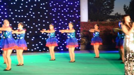 梦飞鱼健身舞队2016.8.26望奎县首届文化艺术节伴舞-绿旋风
