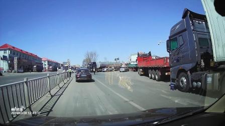 绥中高速路口天天堵车