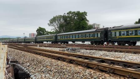 广茂线火车视频,K837次列车,深圳西-重庆西,通过春湾火车站