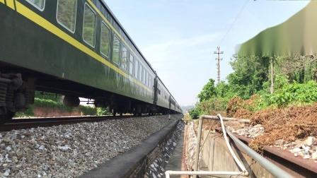 (广茂线火车视频)DF4B 3998牵引K842通过肇庆学院道口(贵阳-广州)