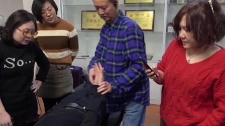 张德祥老师手把手教导学员儿童治疗