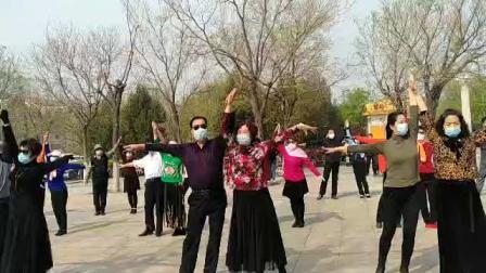 淄博植物园交谊舞伦巴展示。录像:南老师