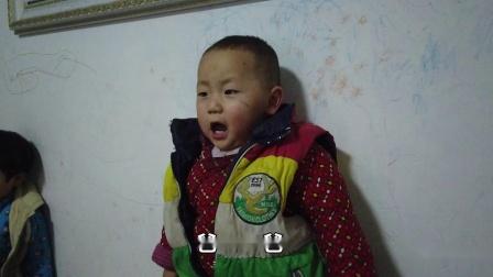 一岁小朋友学唱歌 用爸爸当歌词唱的有模有样