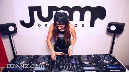 实力美女DJ Juicy M - 4CDJs混音 jump