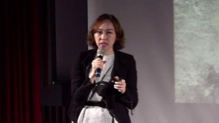 翻杂志,翻转你对世界的刻板印象!|江家華|TEDxNCCU