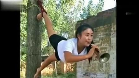 这个农村大姐吹喇叭的技术太牛了, 高手在民间!-_高清