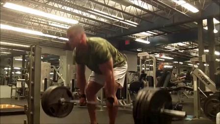 迈力实验室创始人道格米勒一口气硬拉183公斤32下,不愧是世界自然健美冠军