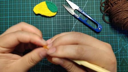 赤赤妈咪手工坊  网红芒果发夹的钩织教程
