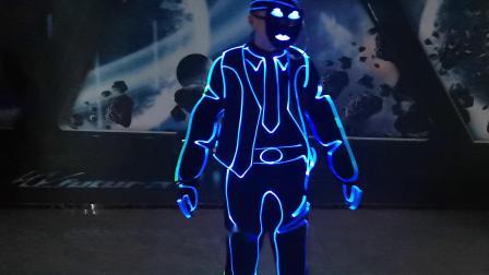 未来创意无线控制编程LED光纤发光表演服厂家直销 WL-264