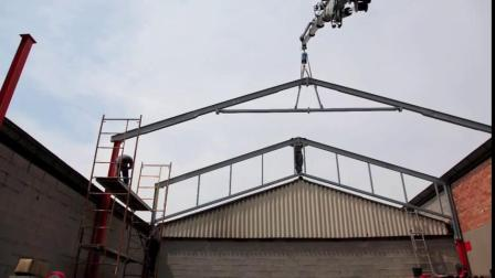elebia自动吊钩优化您在金属结构上的起吊和组装操作。这是用于提起和释放金属框架的操作。因此,我们可以安装结构,而无需抬起和释放吊钩。