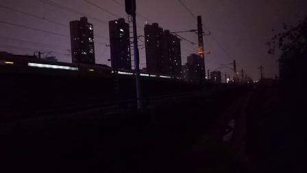 20200115 211106 D6874次列车出汉中站
