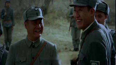 鬼子以为八路阵地已被攻陷,直接冲了上去,不料被八路炮火炸惨!