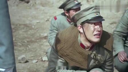 炮兵全死光了,长官命令马夫去开炮,不料一炮打到敌军司令部