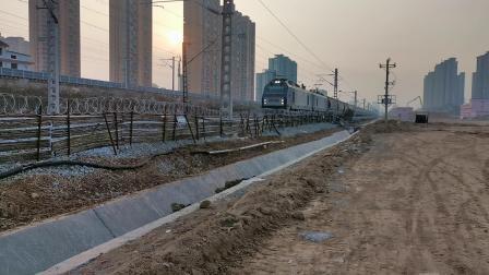 20200116 171414 阳安线HXD2运粮专列出汉中站