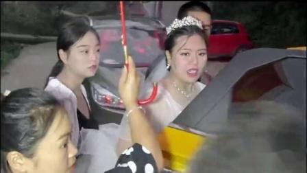 贵州大山里一姑娘出嫁,新郎花了68万彩礼,看起来很不高兴