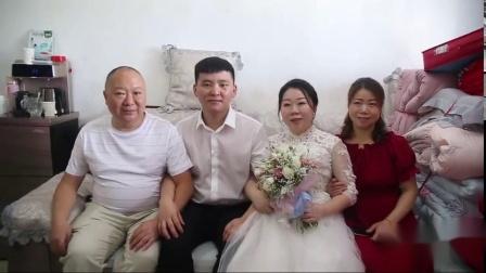 湖南37岁二婚少妇,嫁27岁穷小伙,接亲时这样逗伴郎团,新娘真会玩