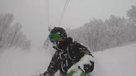 边滑雪边拍照,八甲田粉雪我来啦~