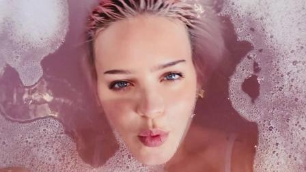 [杨晃]英国流行女歌手Anne-Marie 全新单曲To Be Young