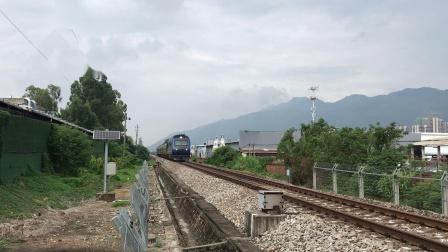 (广茂线火车视频)DF11G 0200/0188牵引K9045通过肇庆学院道口