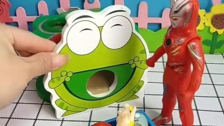 奥特曼把乔治和朋友们带来了,还以为是小青蛙的孩子,其实不是的