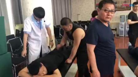 张振听上古拉筋术零力度正骨指导学员练习手法实操演示教学视频_标清
