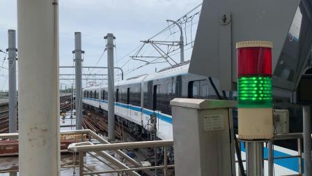 上海地铁8号线(泥鳅三世884)沈杜公路出站折返