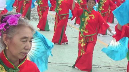 """2020庆""""八.一""""桦川桦悦广场健身秧歌队秧歌表演"""