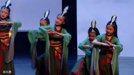 2019朵拉舞蹈年终汇演17-《踩乐舞》