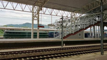 【铜九线水害影像】DF4B牵引超短集装箱货列通过铜陵站