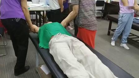 周海燕拉筋伸筋治疗腰椎腰腿疼痛手法实操教学_超清