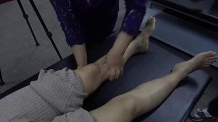 周海燕玄筋疗法柔性正骨治疗膝盖膝关节疼痛手法教学视频_高清