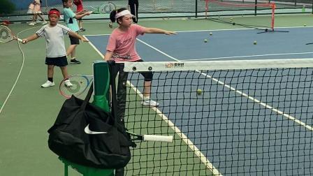 大宝初学网球