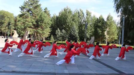 36式杨式太极扇 表演:黑龙江红兴隆红枫太极健身队