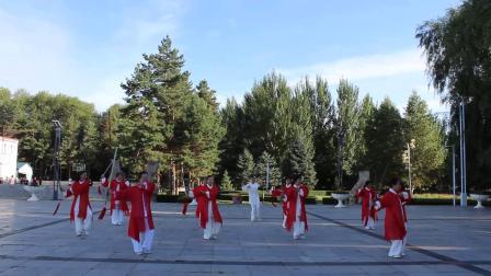 32式太极剑(陈思坦)表演:黑龙江红兴隆红枫太极健身队